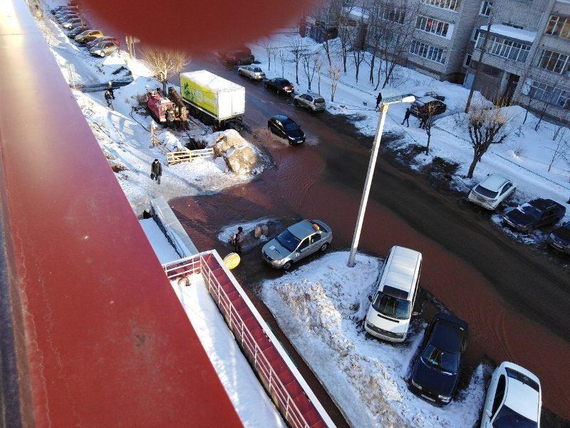 На улице Милицейской случился потоп (+ФОТО)