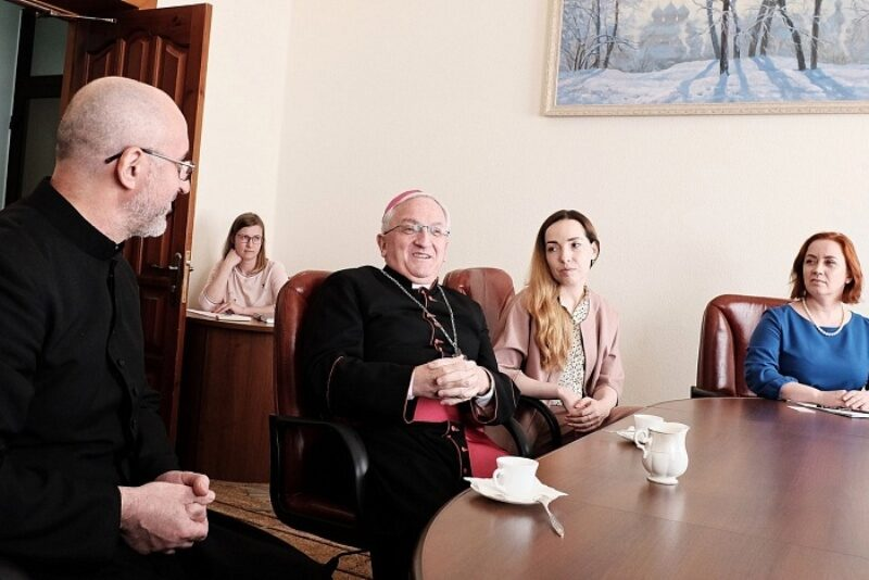 Губернатор Кировской области встретился с послом Ватикана
