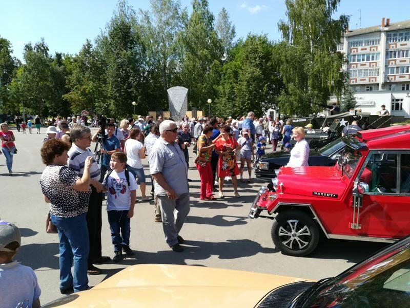 """Кировчане продемонстрировали свои """"машины времени"""""""