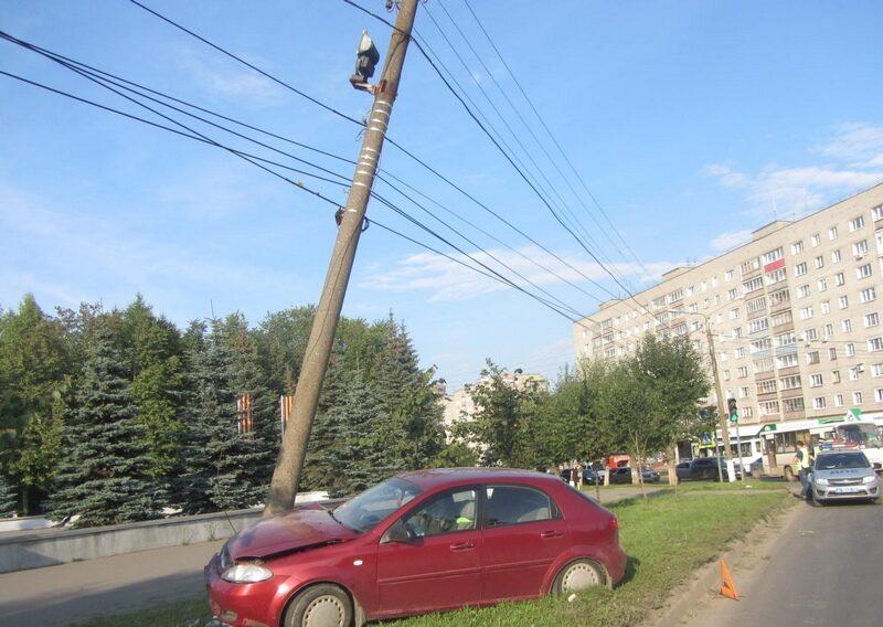 В Кировской области 45-летний мужчина внезапно выбежал на трассу