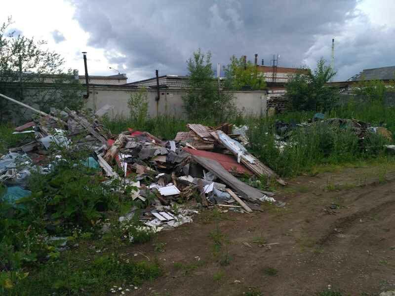 В Кирове «поймали за руку» мужчину, устроившего свалку за гаражами