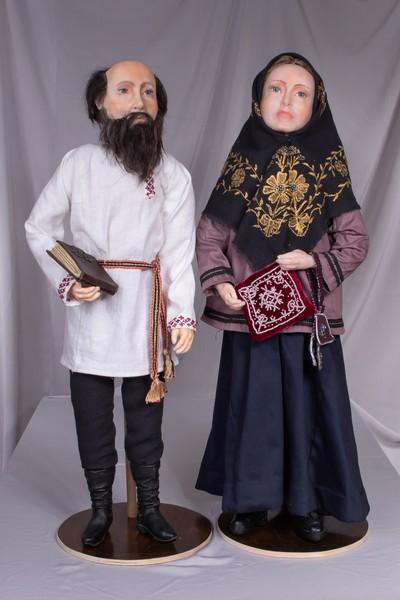 Жительница Кировской области воссоздает одежду прошлых веков в миниатюре