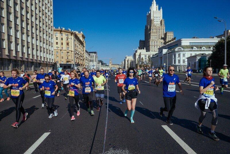 Житель Кировской области пробежал по Москве без остановок 42 километра