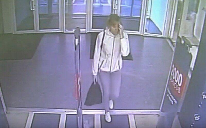 В Кирове украли куртку: есть двое подозреваемых (+ВИДЕО)