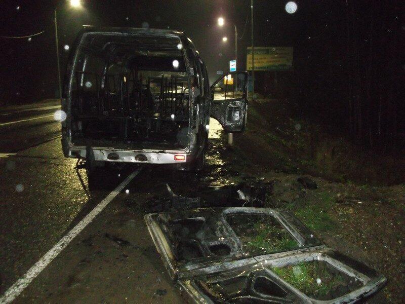 На Советском тракте сгорел автомобиль (+ФОТО)