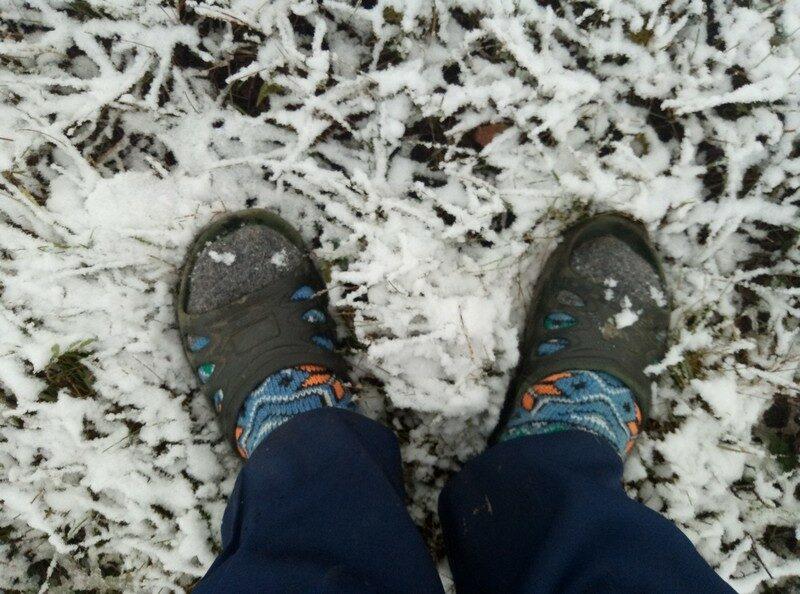 В районах Кировской области с крыш убирают снег (+ФОТО)