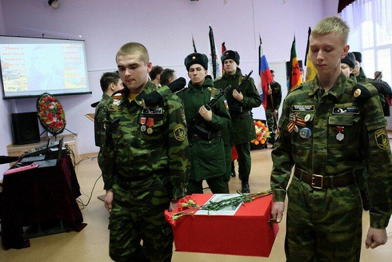 Игорь Васильев передал вещи погибшего в Великой Отечественной войне кировчанина его 79-летней дочери
