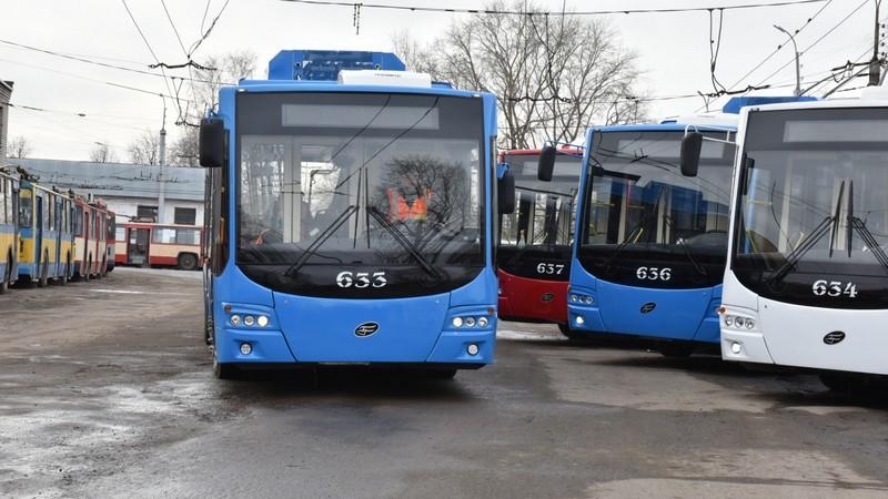 Кировчане смогут заряжать телефоны в троллейбусах