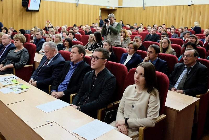 4 кировских предприятия получили высшую награду конкурса «100 лучших товаров России»