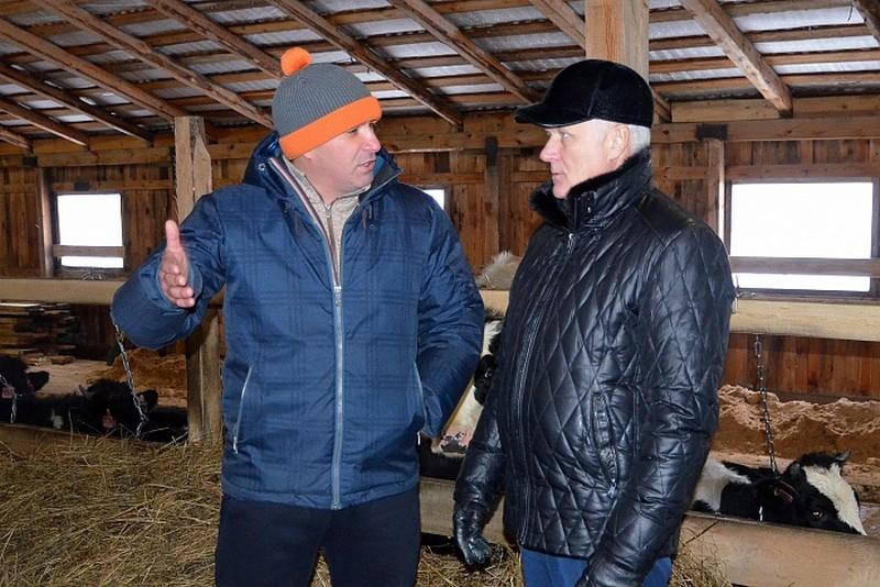 Министр регионального минсельхоза оценил фермерское хозяйство в деревне Симичи