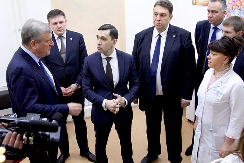 В Кировской областной детской клинической больнице открыт тёплый наземный переход