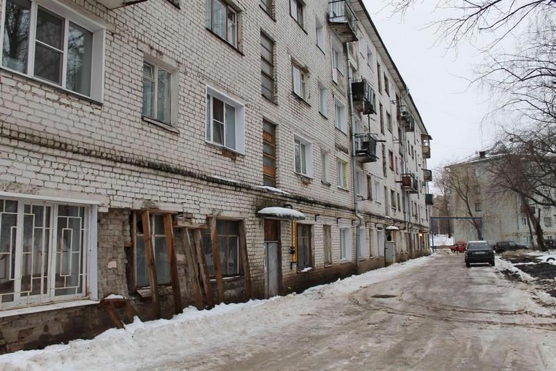 Капремонт пятиэтажки, у которой разрушается стена, могут перенести