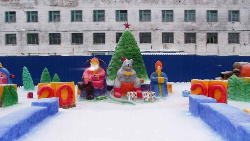 Единороги, пингвины с мандаринами, белые медведи появились в закрытых учреждениях региона (+ФОТО)