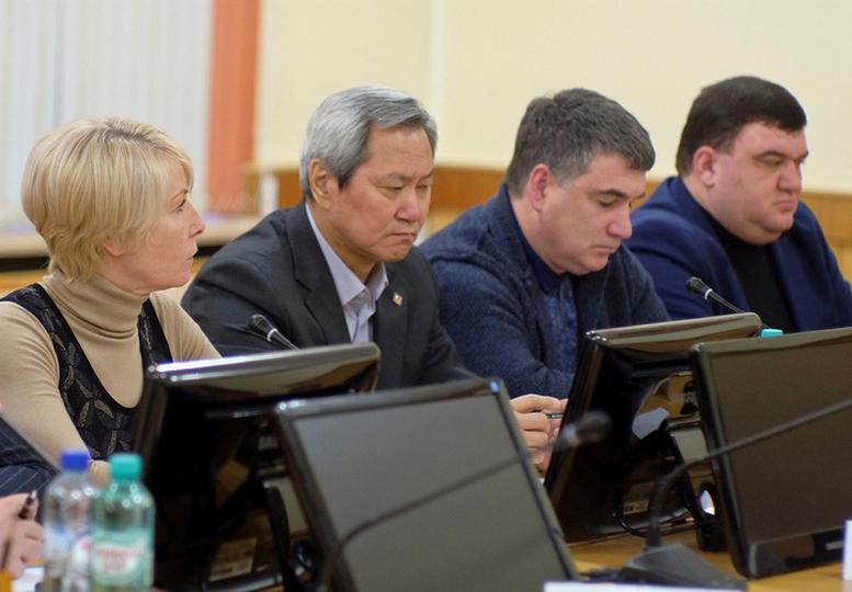 В правительстве Кировской области появился график ремонта дорог на долгосрочную перспективу