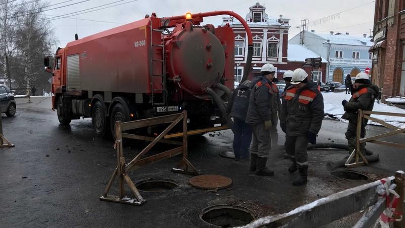 Кировчане, пострадавшие от разлившегося по улице кипятка, получат выплаты