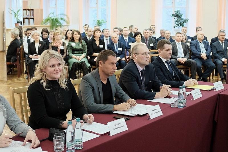 Глава региона возглавил попечительский совет Вятской сельхозакадемии