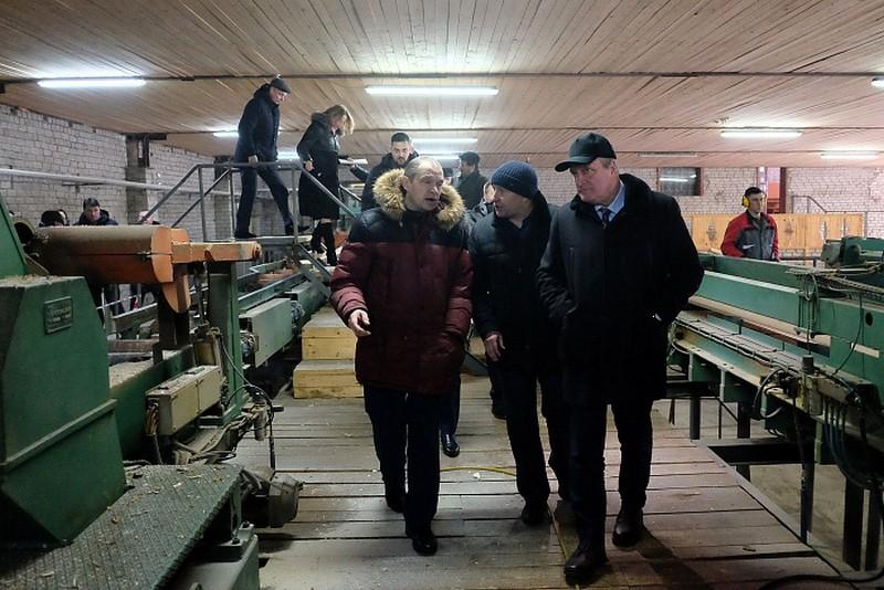 Глава региона Игорь Васильев посетил деревообрабатывающее производство в Сунском районе