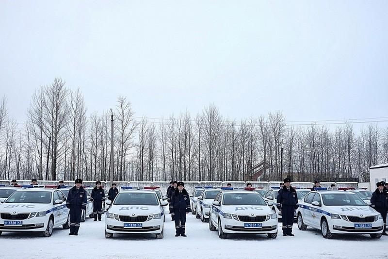 Cотрудники Госавтоинспекции получили ключи от новых патрульных автомобилей