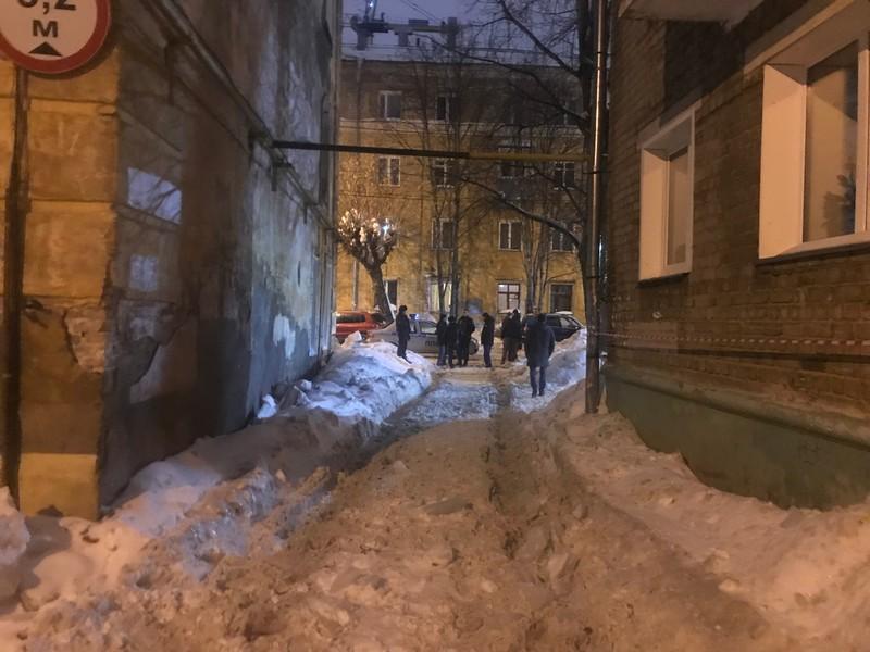 Уголовное дело о гибели женщины из-за падения снега отправлено в суд