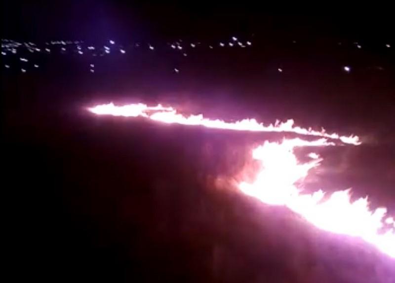 В Кировской области в огне оказалось целое поле