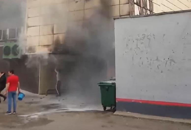 В Кирове у вокзала загорелся крупный ТЦ (+ФОТО)