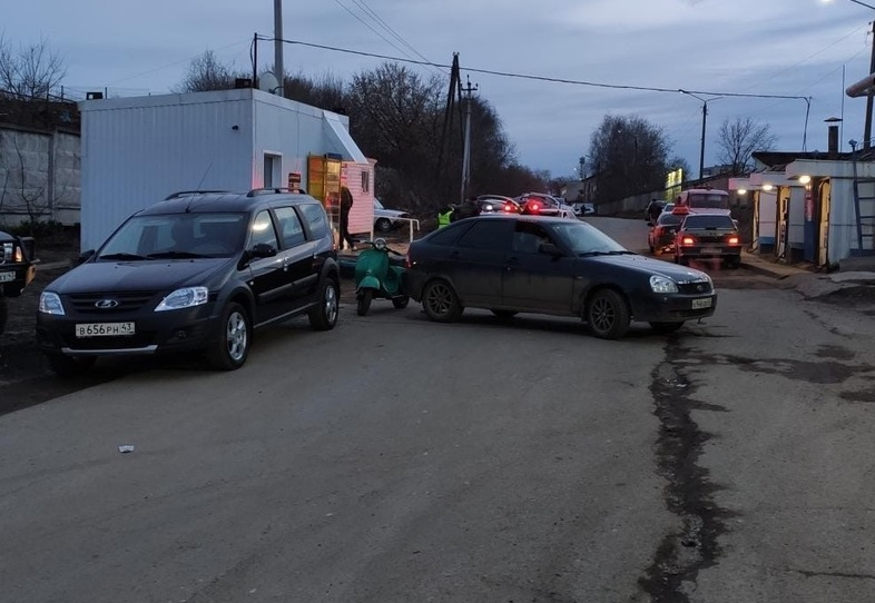 dtp severnoe koltso Пьяный мужчина на мотороллере «Вятка» устроил аварию
