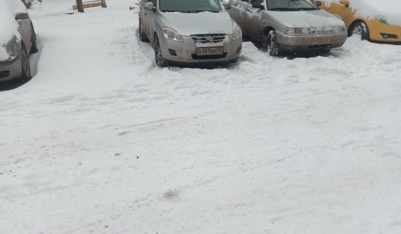 В Кирове мусоровоз врезался в припаркованные машины (+ФОТО)