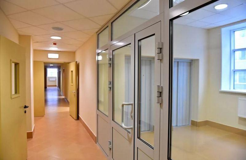 bolnitsa 1 В Кирове на двухнедельный карантин закрыли отделение больницы скорой помощи