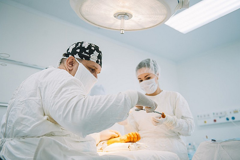 Кировские медики спасли ребёнку руку