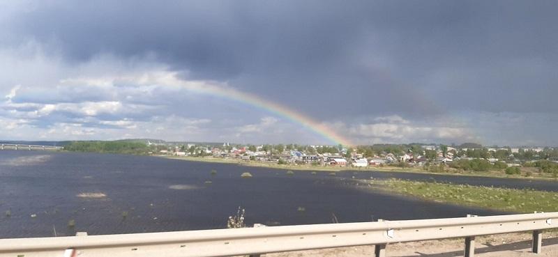 Двойная радуга в небе над Кировом стала хитом соцсетей (+ФОТО)