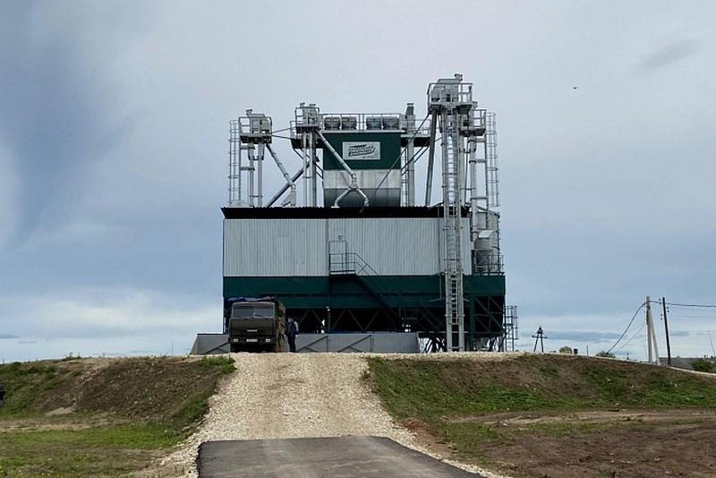 zernosushilnyy kompleks Построен самый крупный в Кировской области зерносушильный комплекс