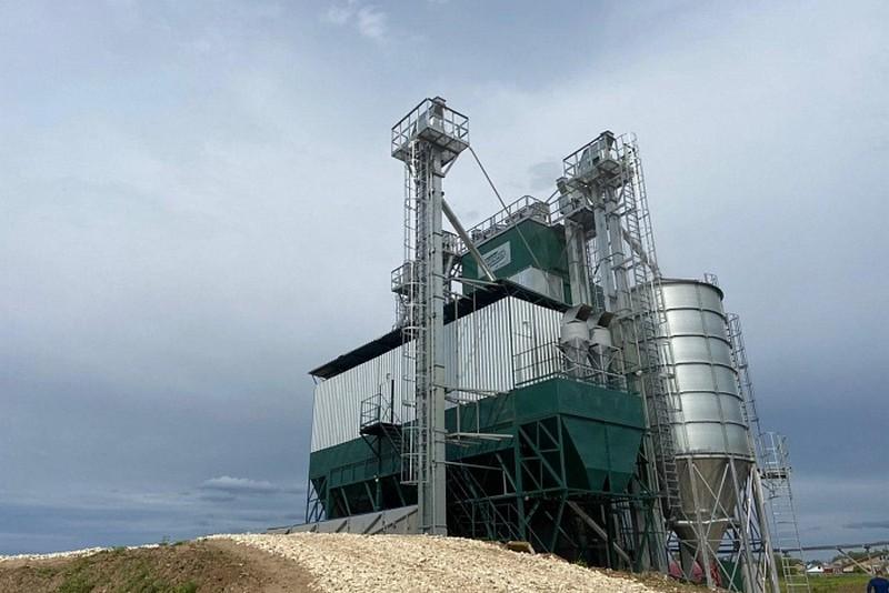 Построен самый крупный в Кировской области зерносушильный комплекс