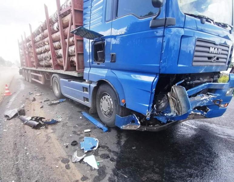 В Кирово-Чепецком районе водитель «Лады» погиб в столкновении с грузовиком