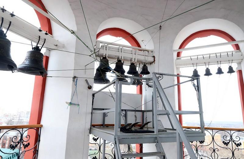 На колоколах Спасского собора меняют верёвки на стальные тросы