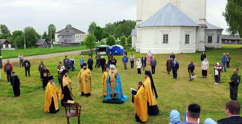В Великорецком встретили икону святителя Николая