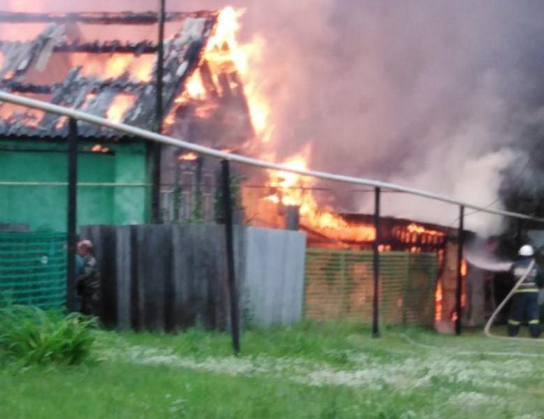 В Кировской области в крупном пожаре сгорело несколько домов