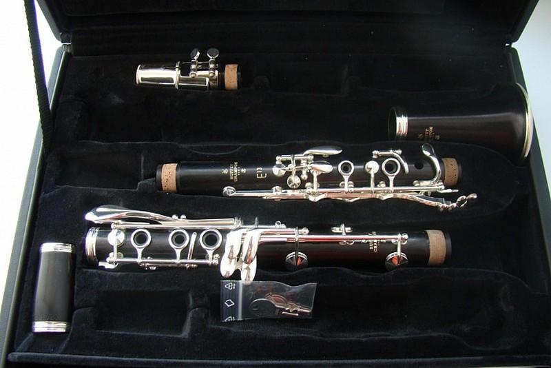 В Кировский колледж музыкального искусства поступила партия новых инструментов