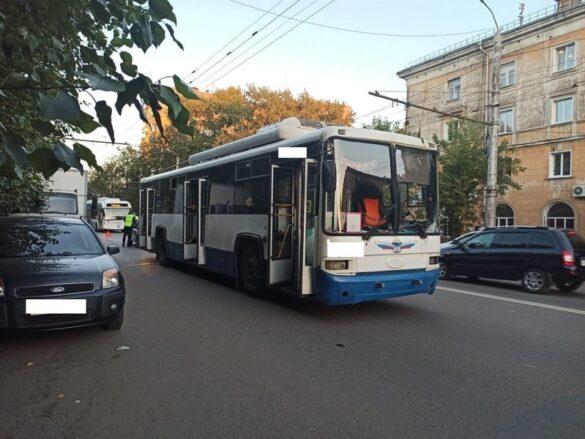 фотографий документов фото мужчина которого переехал троллейбус белгород наградила