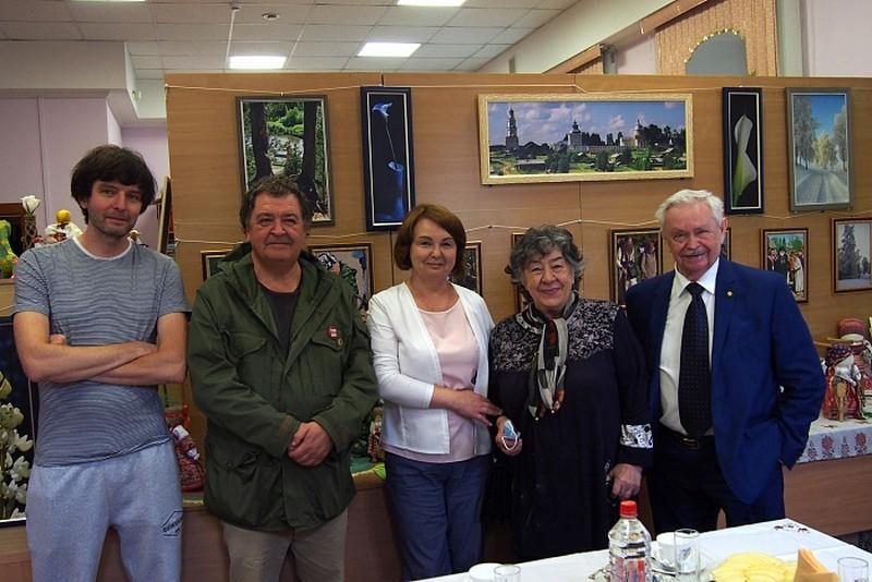 В кировском госархиве открыт семейный фонд Лихановых