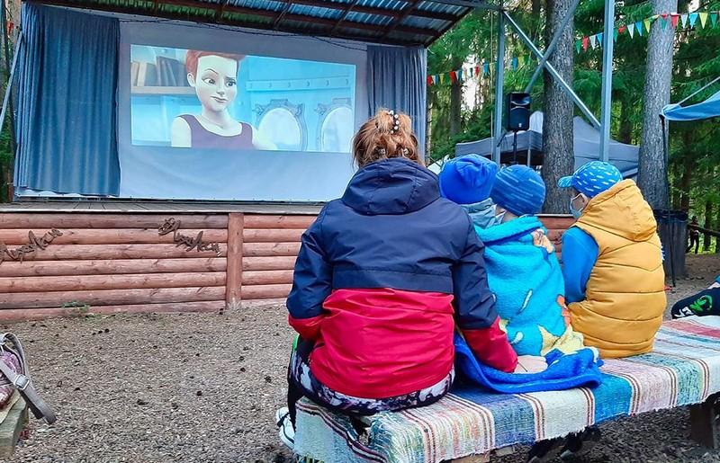 В Кировской области открыли кинотеатр под открытым небом