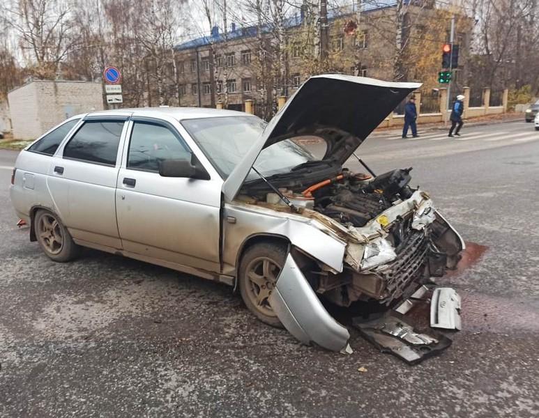 В Кирове перевернулась скорая: среди 6 пострадавших есть пациенты с коронавирусом