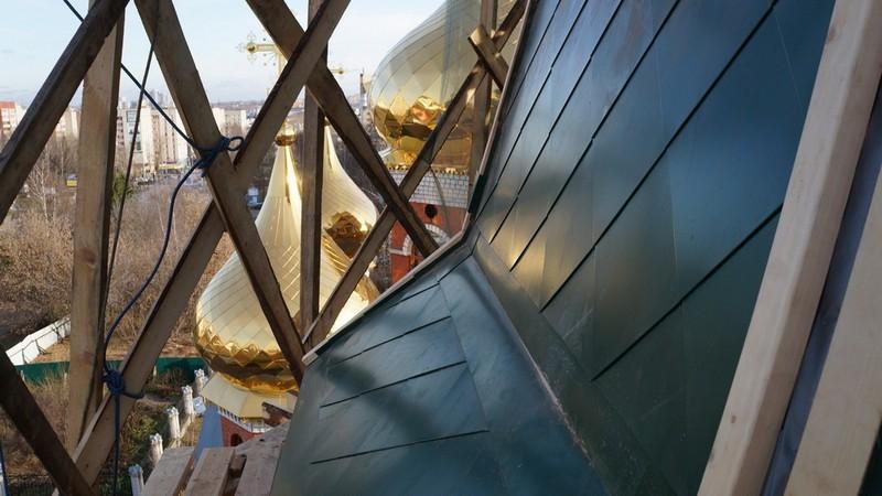Кировский храм меняет подсветку