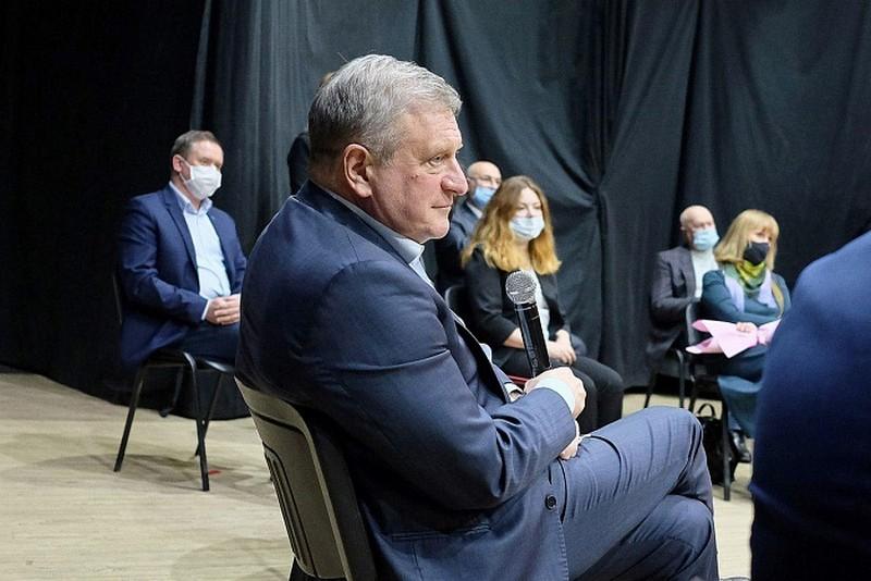 Игорь Васильев встретился с представителями творческой интеллигенции в Вятской филармонии