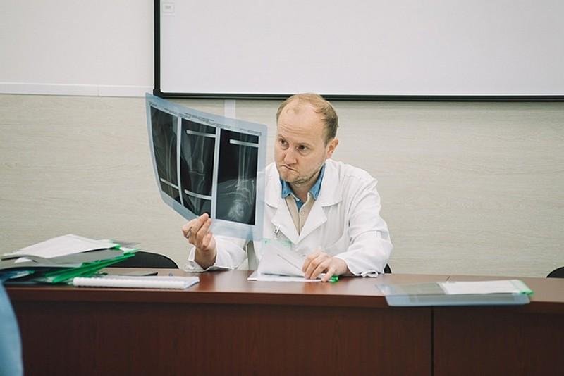 Кировские врачи провели сложнейшую операцию на позвоночнике
