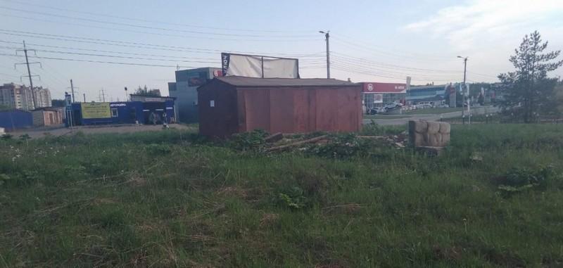 В Кирове снесли гараж
