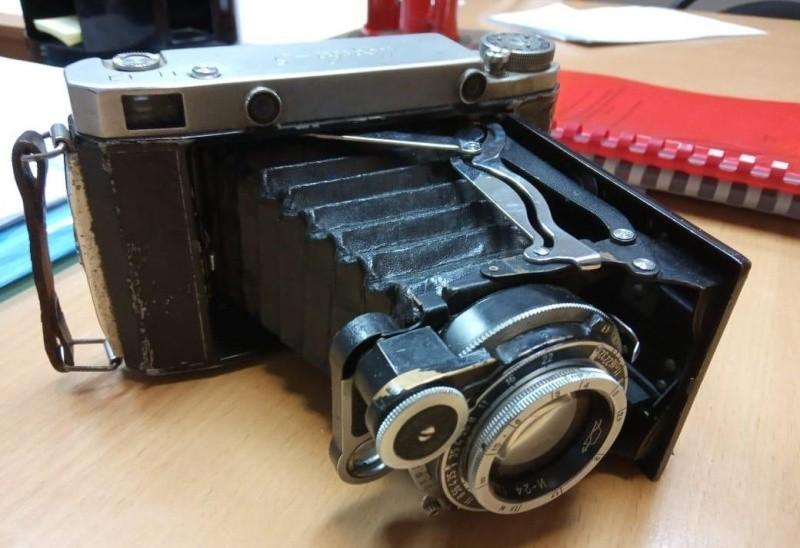 В кировский музей принесли 60-летний фотоаппарат