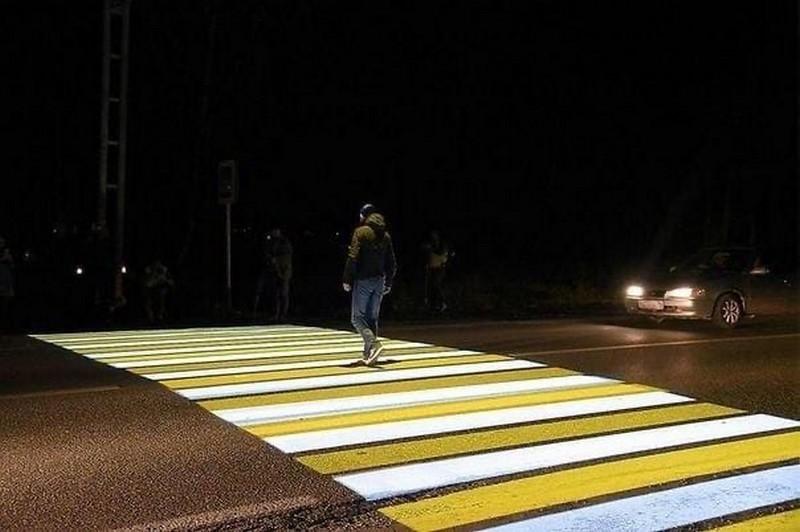 Кировчанам предложили выразить мнение о проекционных пешеходных переходах