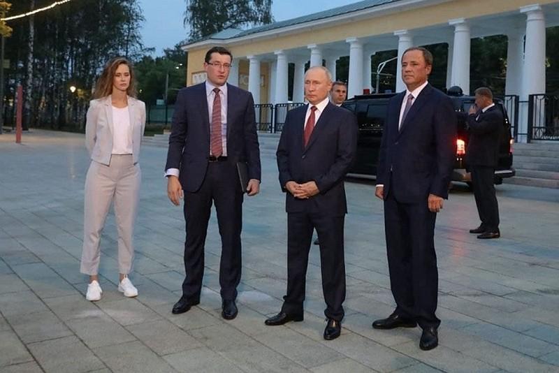 Putin v Nizhnem Президент России принял участие в мероприятиях, посвящённых 800-летию Нижнего Новгорода