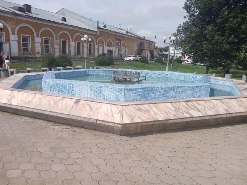 Slobodskoy fontan Жители региона замечают, как развиваются районы Кировской области