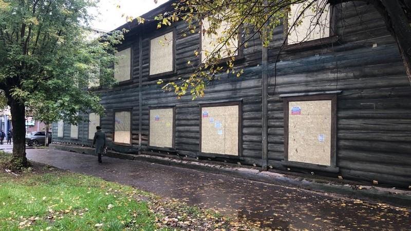 Oktyabrskiy prospekt 103 На Октябрьском проспекте законсервировали дом